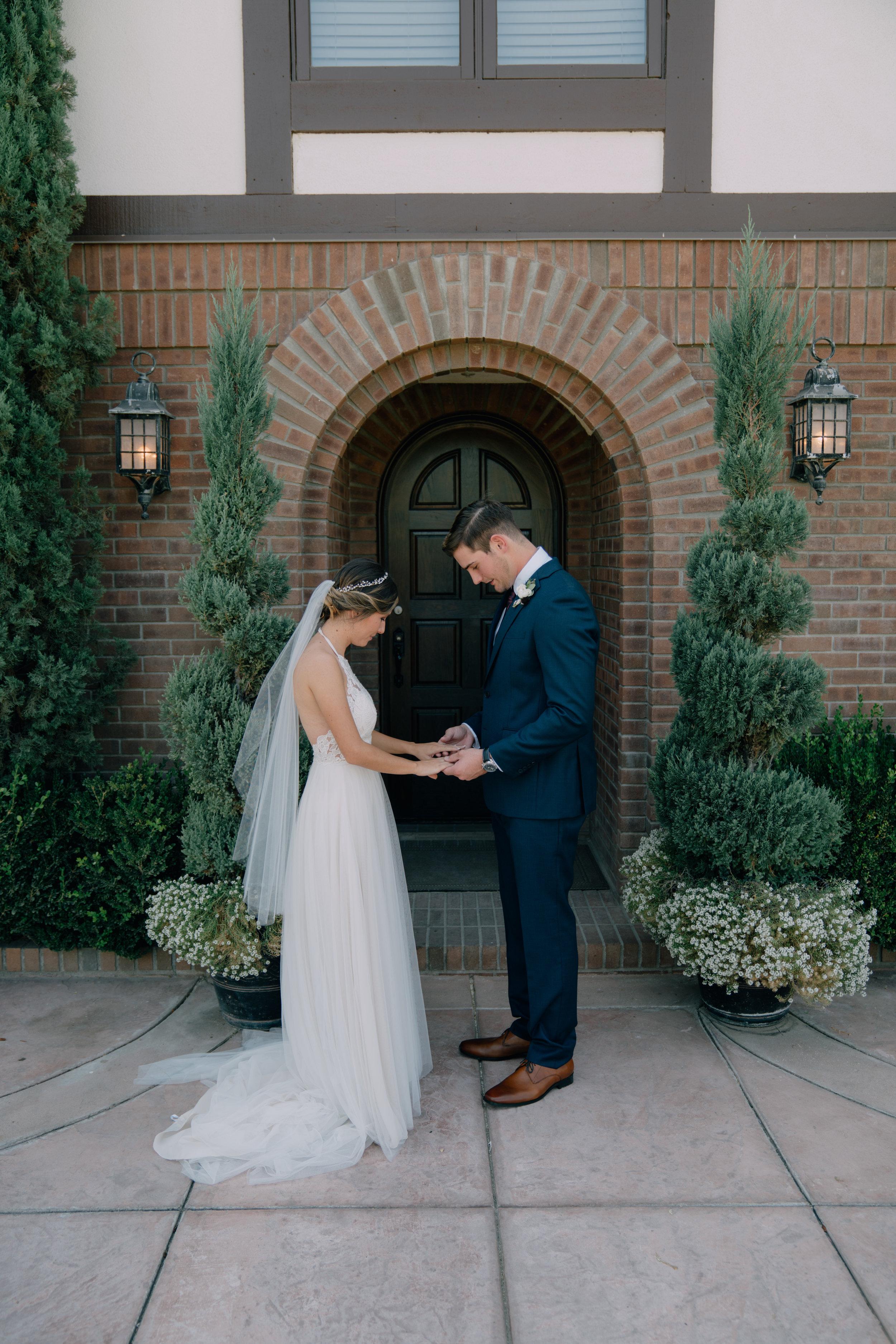 bride & groom-00153.jpg