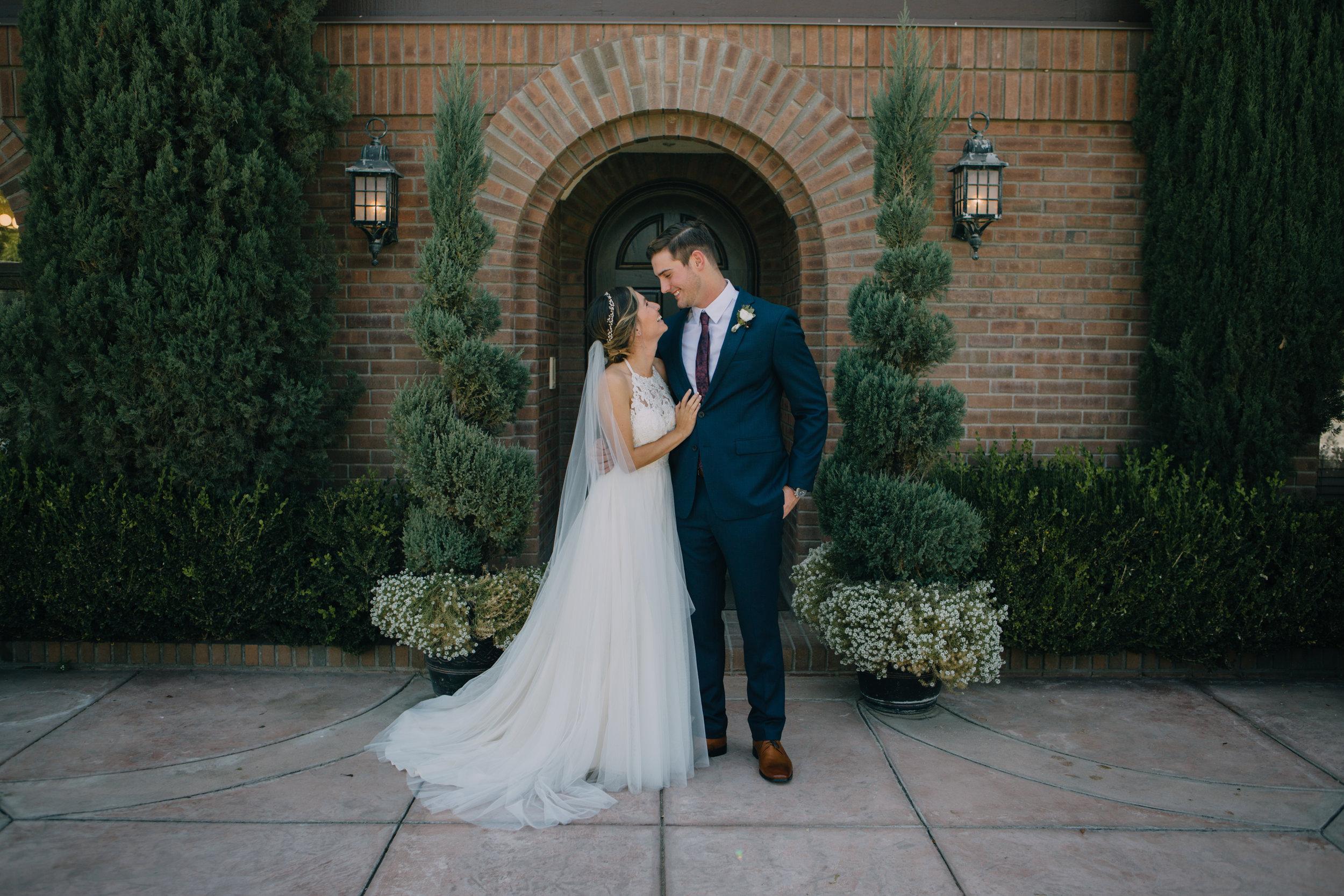 bride and groom-4616.jpg