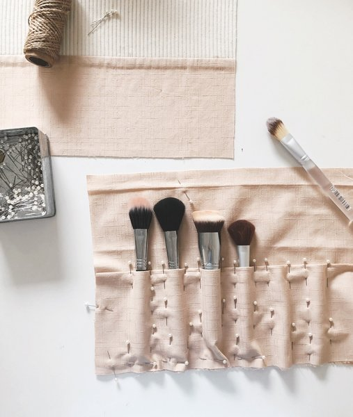 Oh-I-adore-makeup-brush-roll-sewing-diy-6.jpg