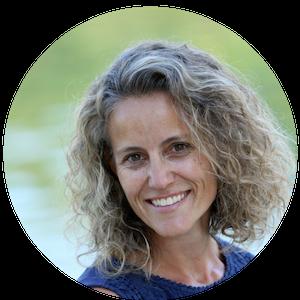 Trisha Traughber: Writer, writing coach. Bilingual bookworm.
