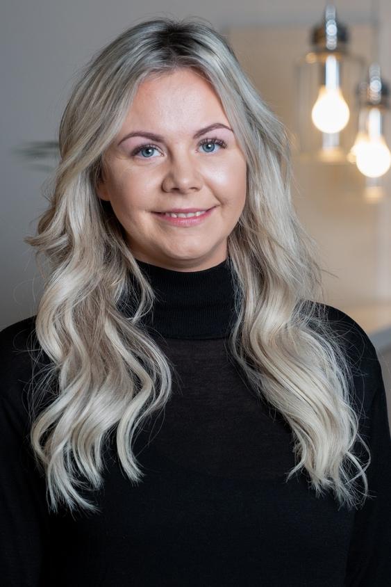 May Lise Wiik  Frisør