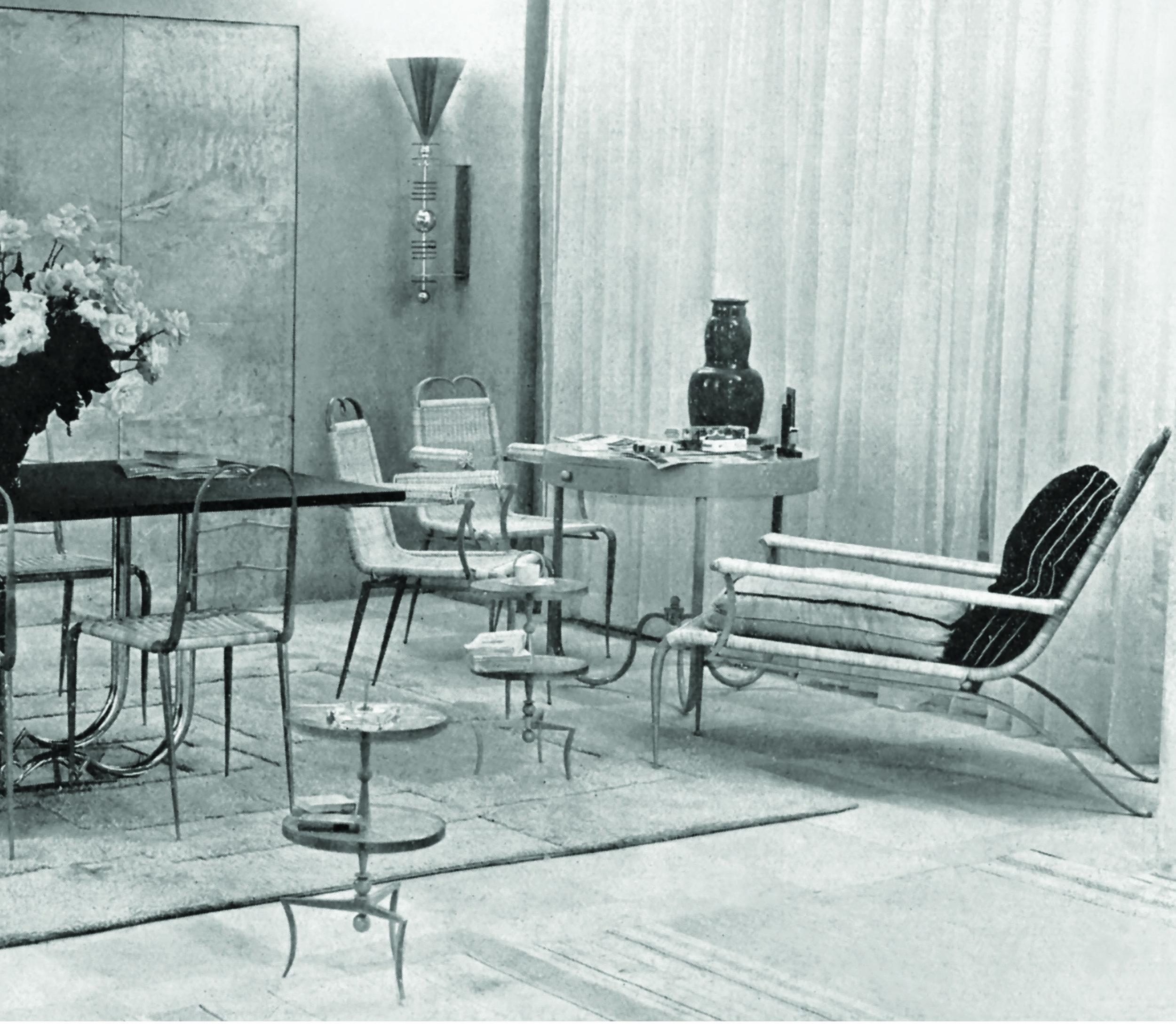 Salon des artistes décorateurs, 1933. Living-room pour une villa de la Côte d'Azur.Paris, bibliothèque des Arts décoratifs