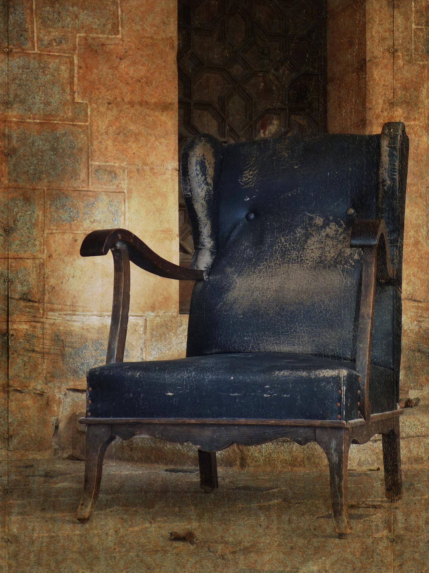 armchair-1980308_1920.jpg