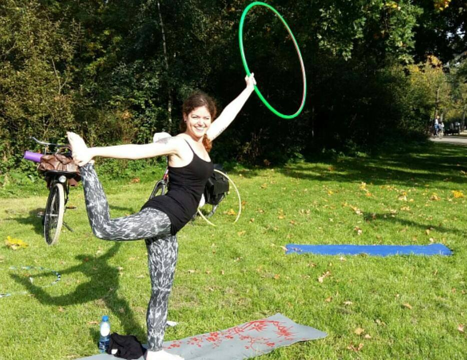 Hooping and yoga at Vondel Park, Amsterdam