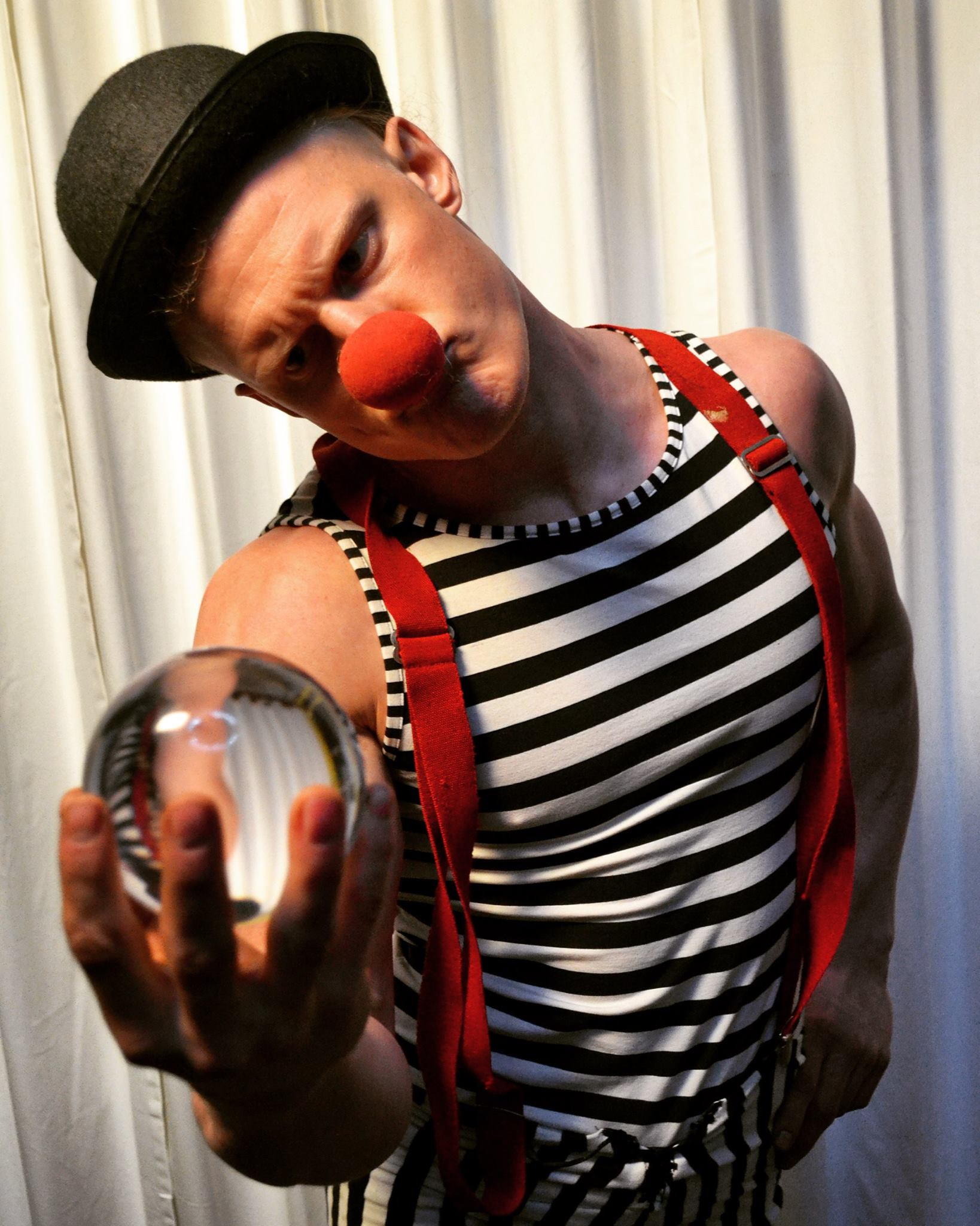 Juggling and Crystal Ball