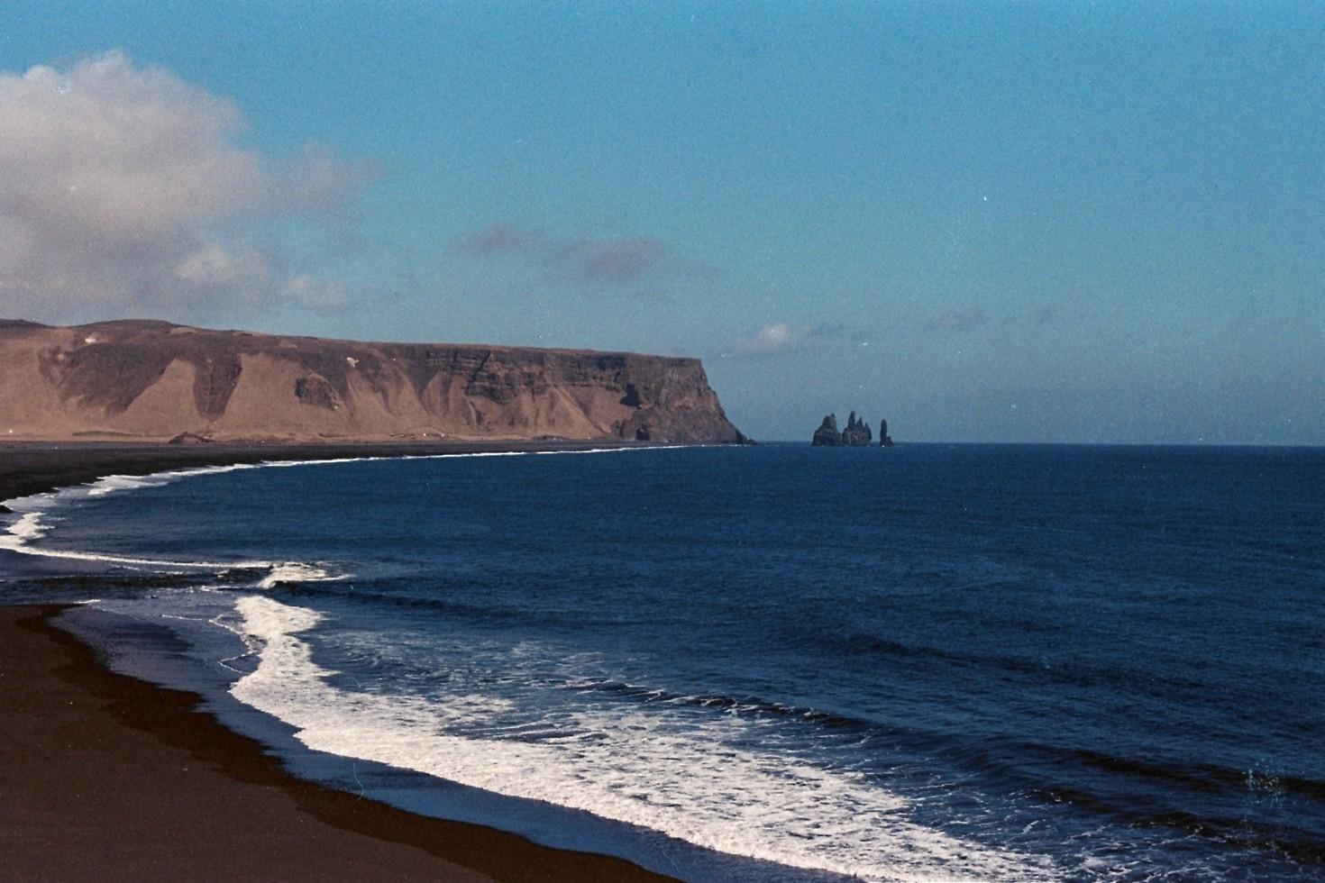 Reynisfjara black beach - 35mm Canon AE-1 - Kodak Ektar 100