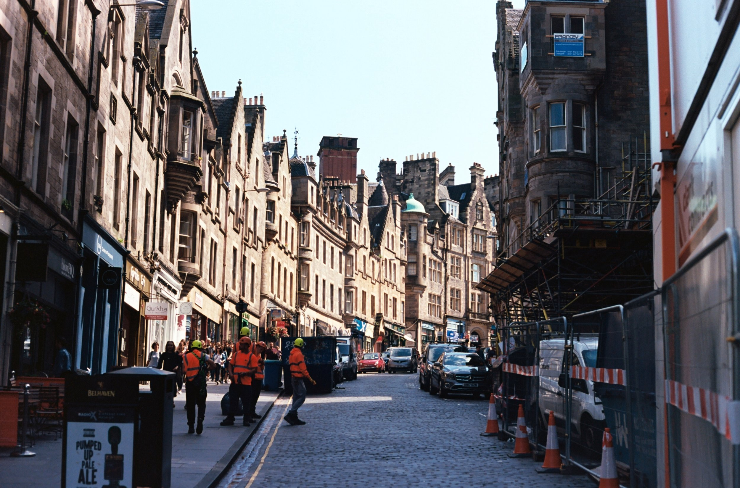 Edinburgh Cockburn Street - 35mm Canon AE-1 - Kodak Ektar 100