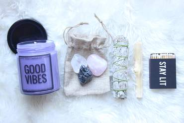 We love - This Good Vibes Box Set from Posh Candle Co.