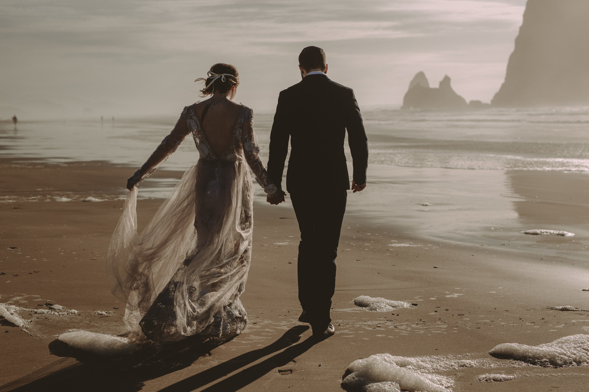 canon-beach-elopement-photographer.jpg