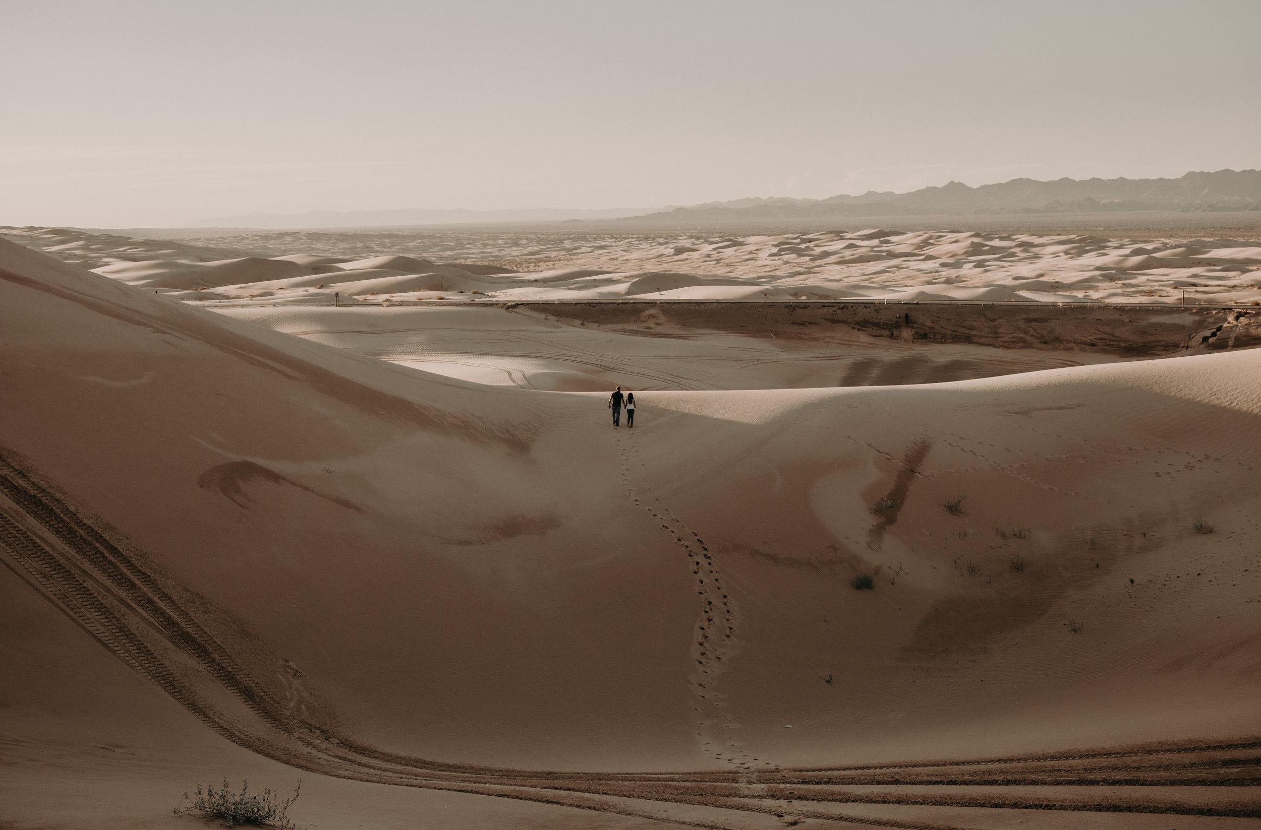 sand_dune_engagement_photos.jpg