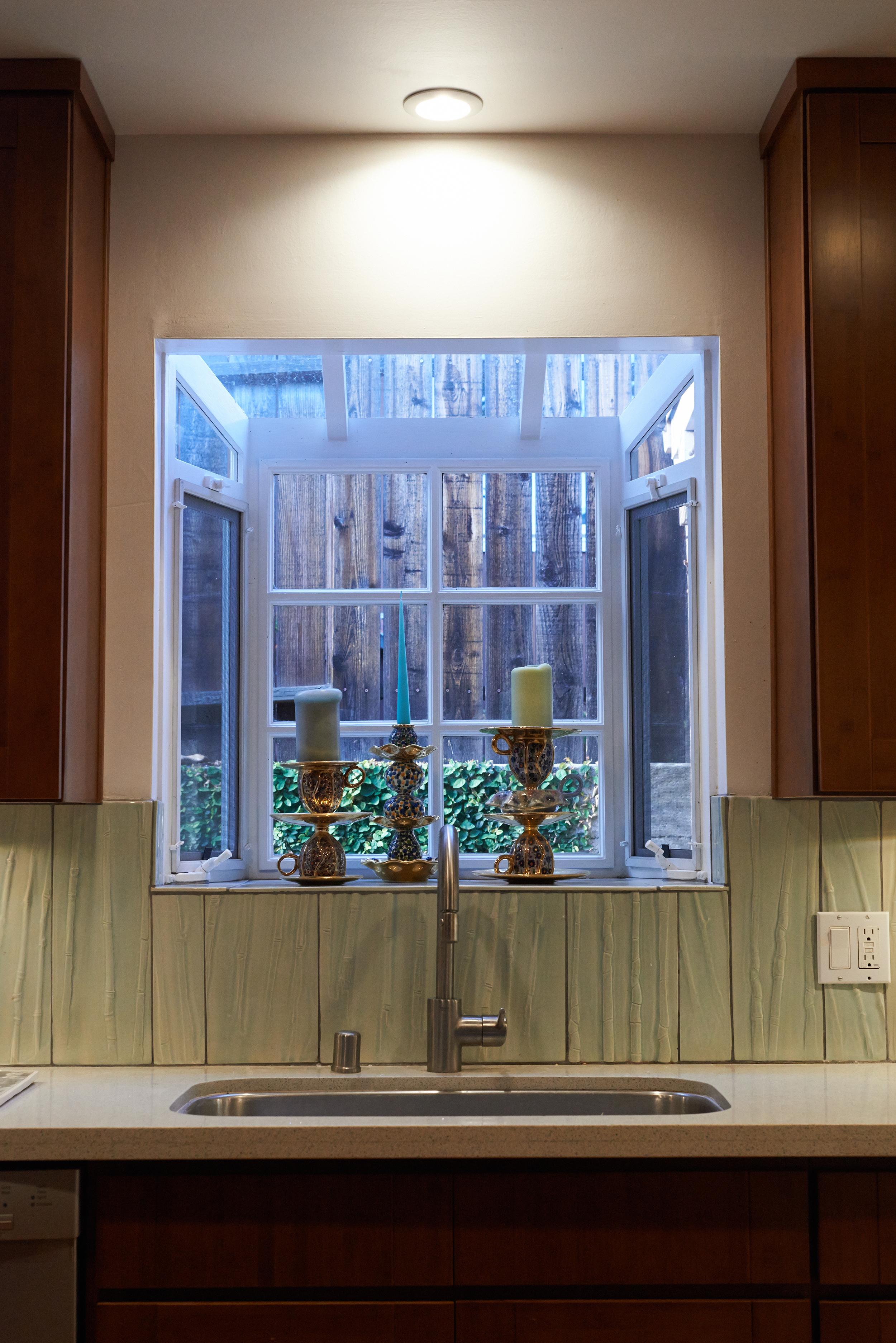 Garden Window Tile