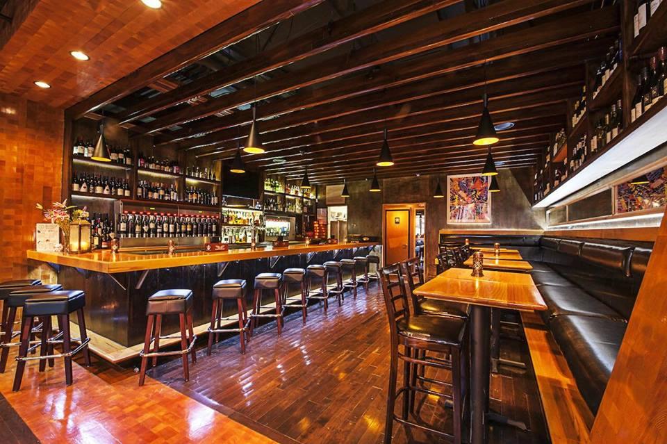 Interior bar & dining area @ Bin 1301