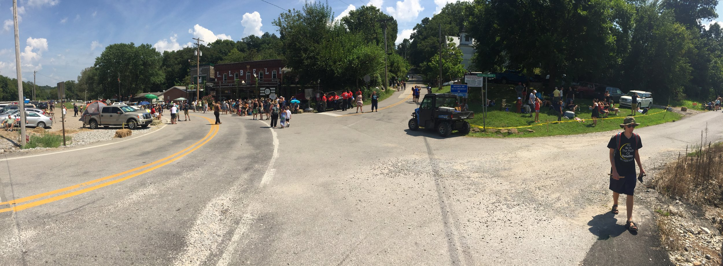 A panorama at the main intersection in central Makanda: Baptist Hill Road and Old Lower Cobden Road.