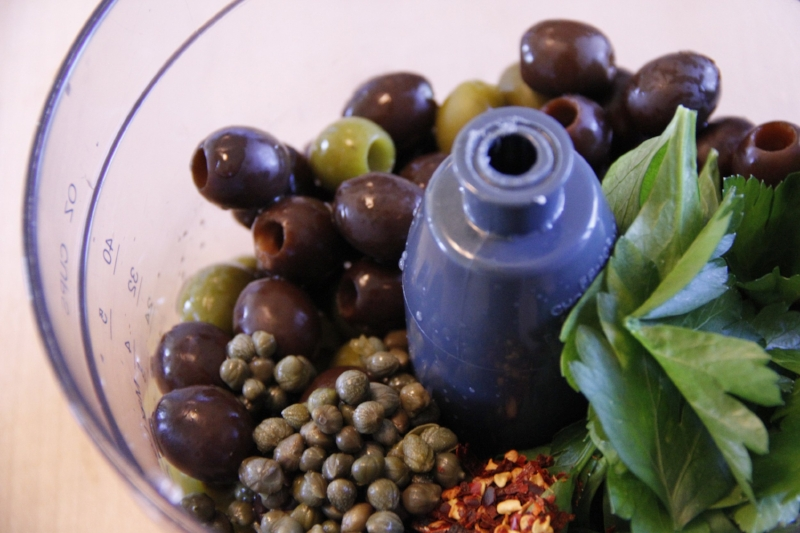 Olive tapenade ingredients