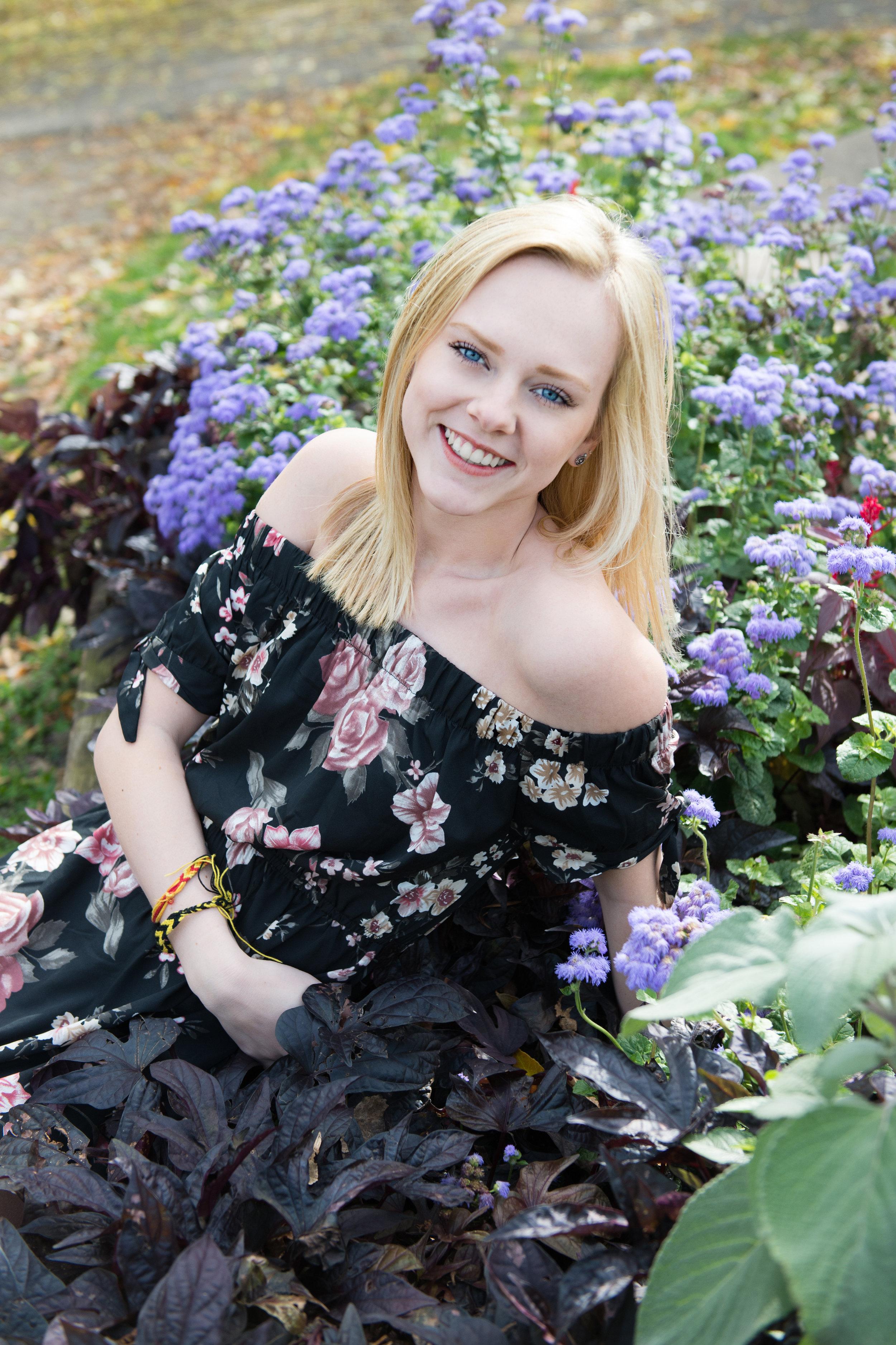Molly_Senior17_0036.jpg