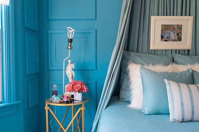 My room is blue. It might be bluer than your room. It might not. I've never been to your room. #lamaisonginevraheld #ihavethisthingwithcolor #stellarspaces #bedroomdecor #colorcolourlovers #mydomaine #myfab #farrowandball #sodomino #interiorblogger #elledecor #howyouhome #pocketofmyhome #mystylishspace #vogueliving #interior #interiorinspiration #anthrohome #bohemianliving #currenthomeview #howwedwell #apartmenttherapy #mybohemianabode #designinspo #showmeyourboho #interiordesignlovers #dominomag #myhomevibe #sunsetmag #bohochicstyle