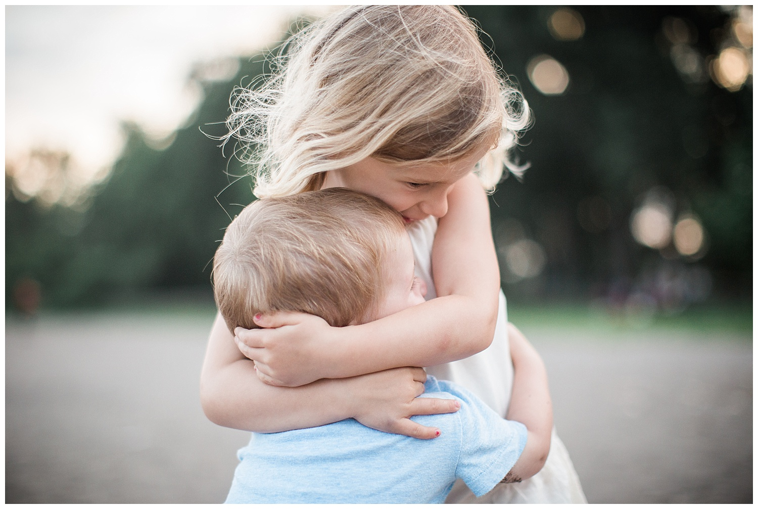 Siblings Hugging Toronto Family Photographer