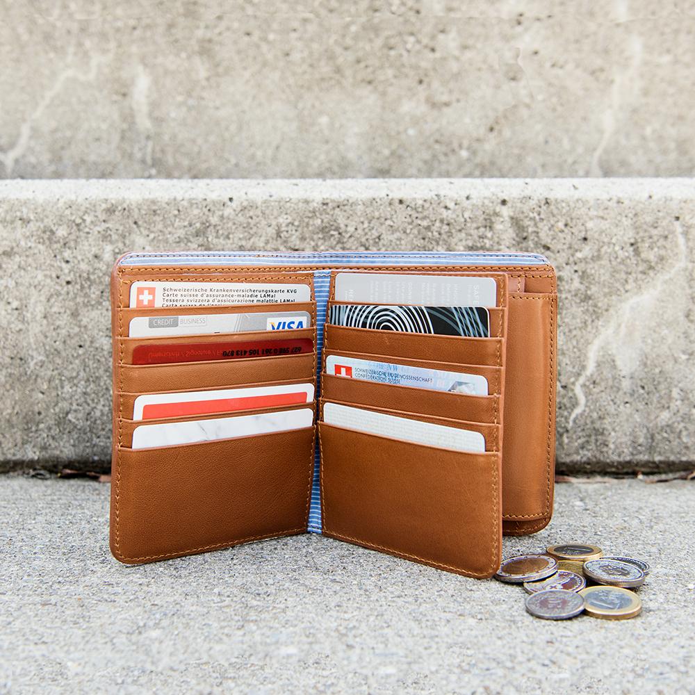 LOST & FOUND_Big Bifold wallet Caramel.jpg