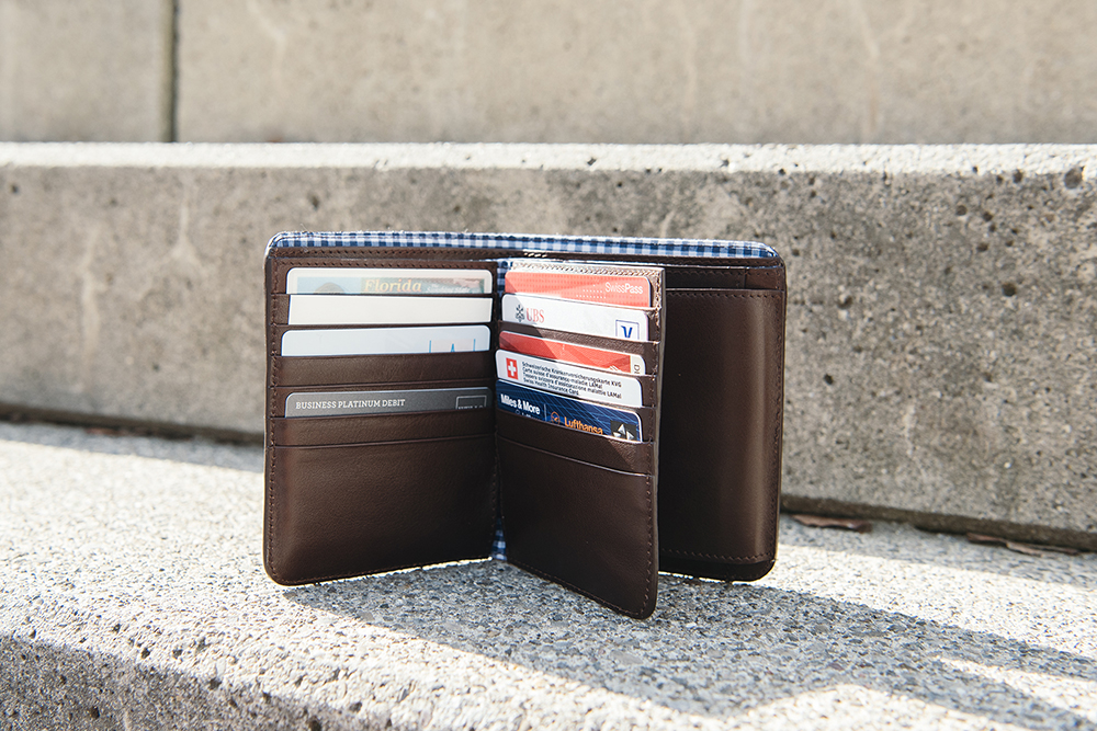 LOST & FOUND_Big Bifold wallet Chocolate.jpg