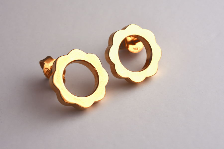 6. FLOWER POWER Stud Earrings_Yellow Gold Plated_V DESIGN LAB (3).JPG