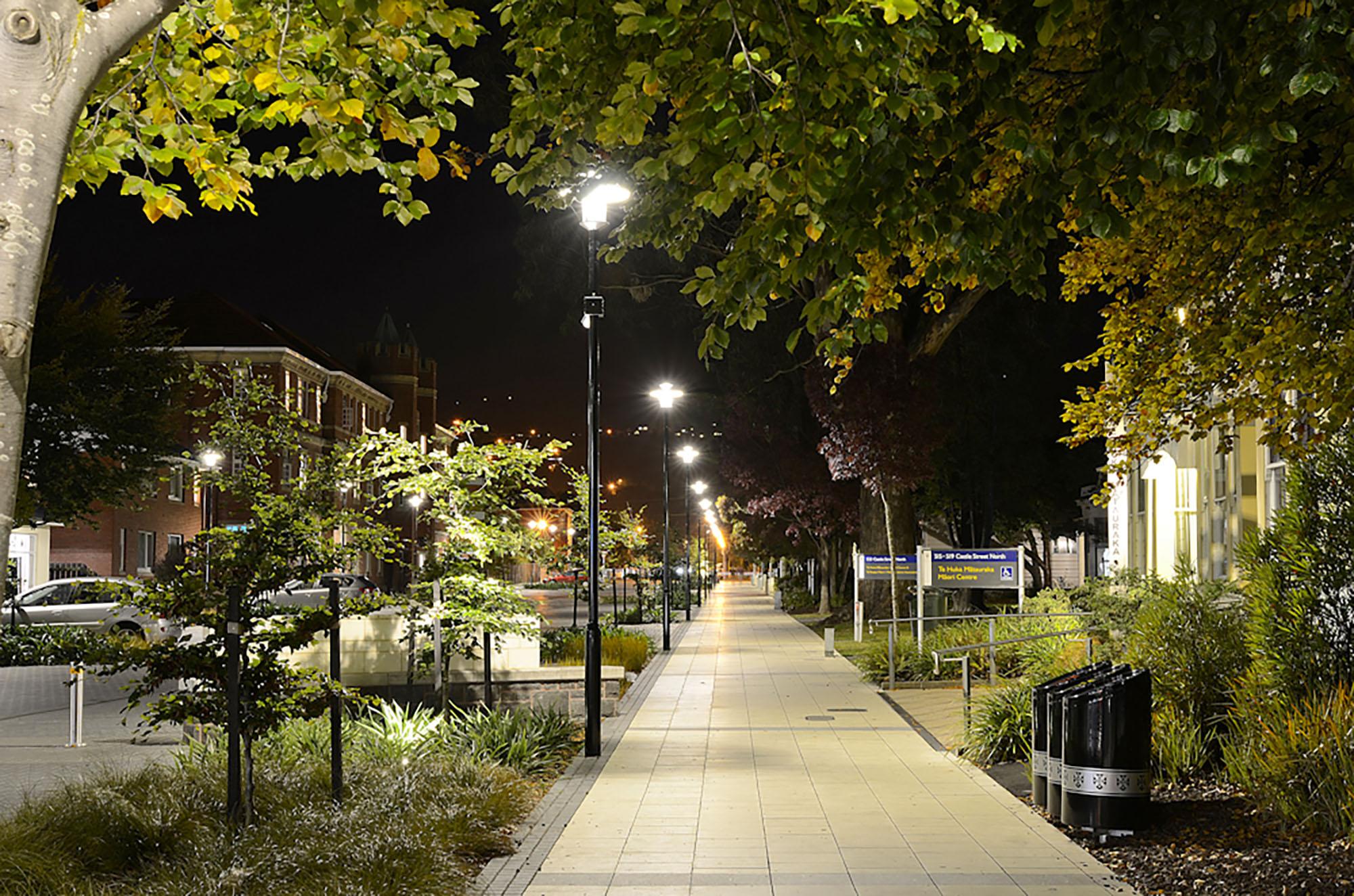 UoO_Castle St footpath night.jpg
