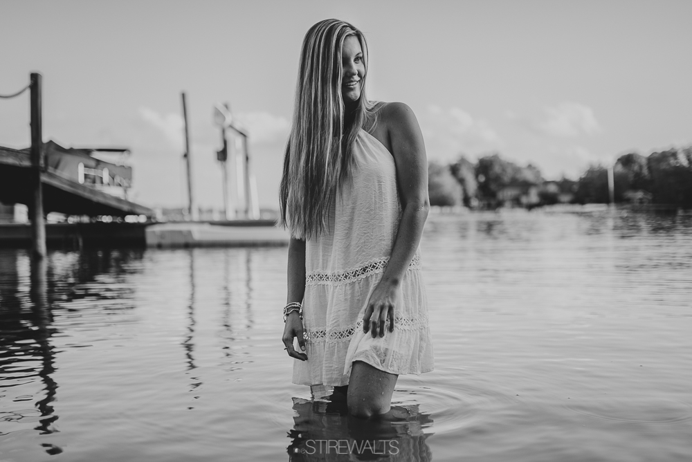 Kaylyn.Lewis.Senior.Blog.©2017.TheStirewalts.Photography.LLC-11.jpg