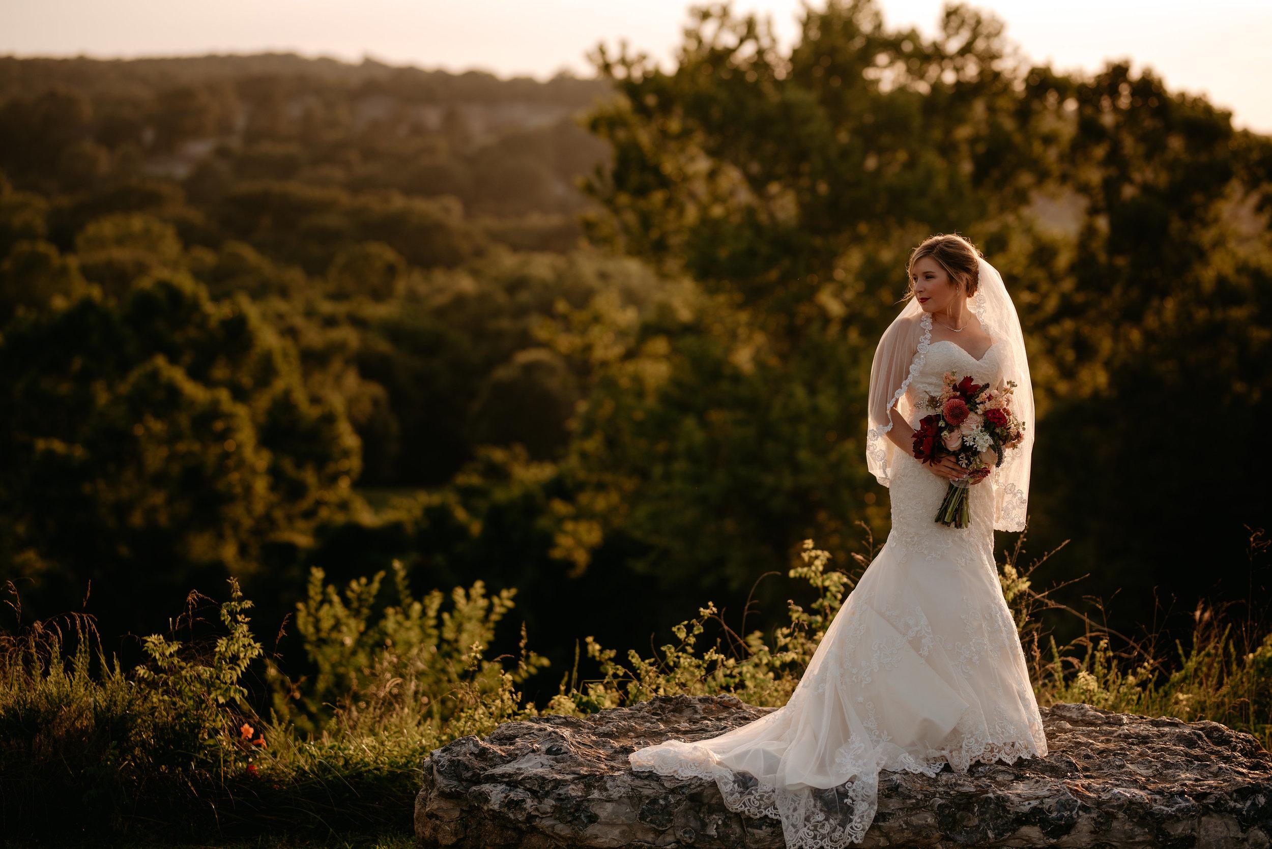 Lyndi.mabry.bridal.2017.TheStirewalts-118.jpg