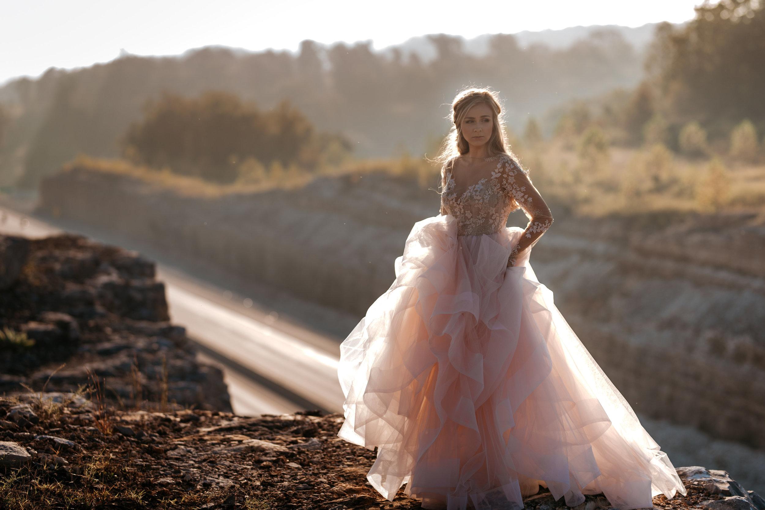 Mackenzie.Reubling.Bridals©2017.TheStirewalts.Photography.LLC-19.jpg