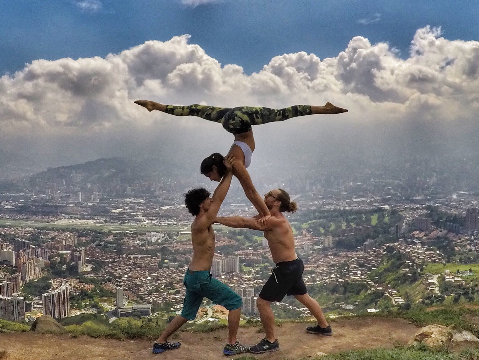 AcroYoga in the City 3