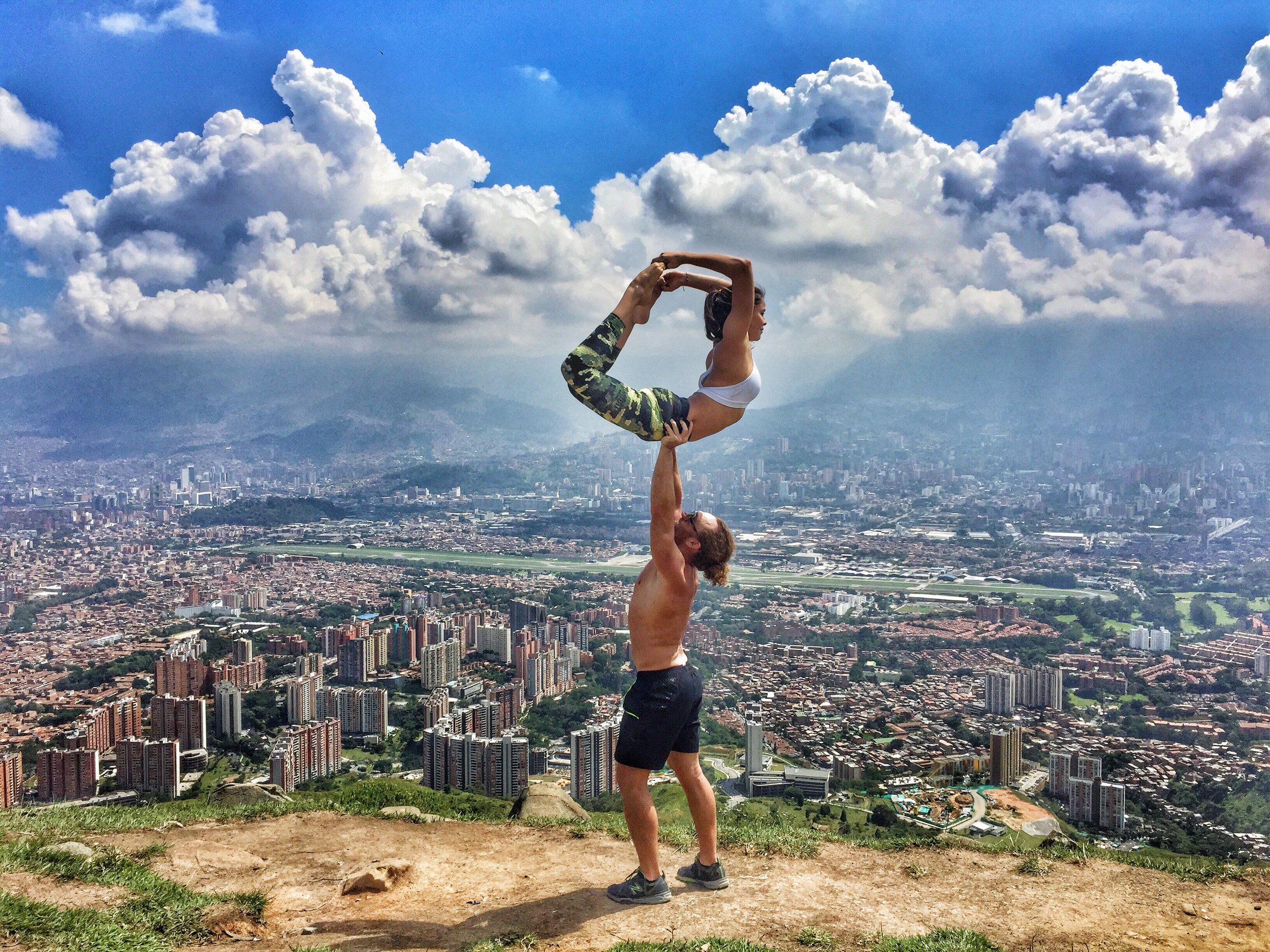 AcroYoga and City