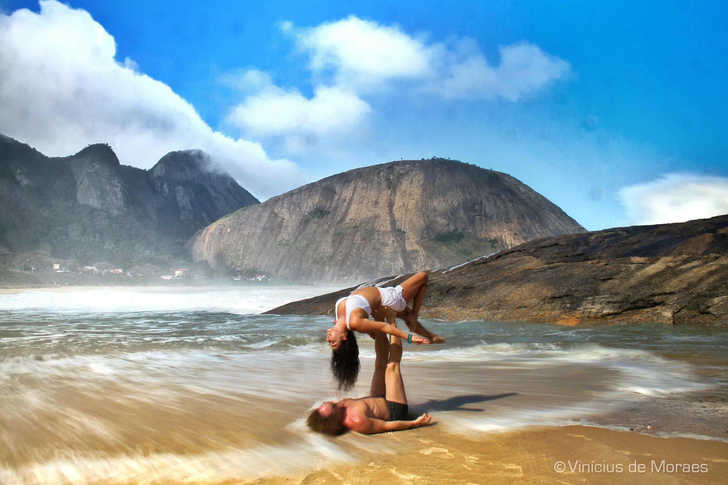AcroYoga by the Beach 7