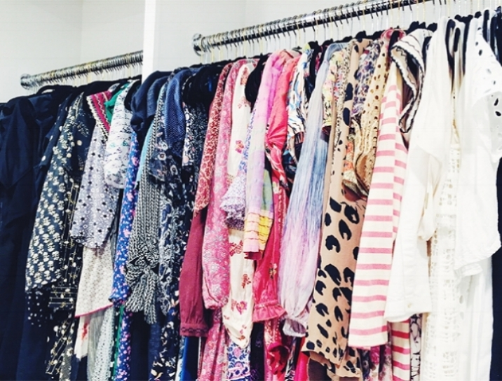 Need a refresh of 'Fill Ins?' Is phyiscally shopping not your thing? Have Amy curate online and email you options to choose from, then you can decide what to order. Once you receive your new pieces, Amy suggests to book a 'Closet Shop' to work your new pieces back into your existing wardrobe.