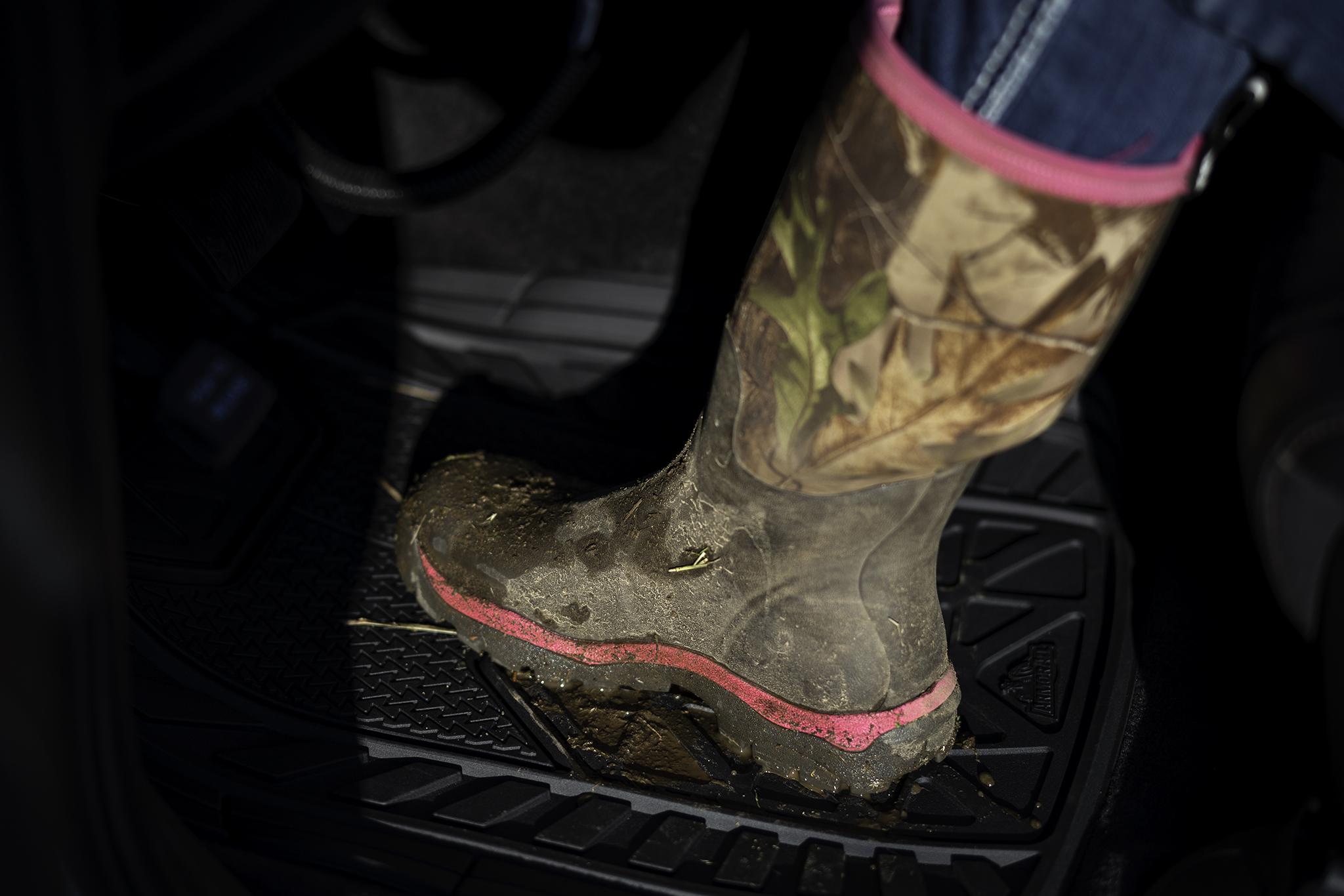 Armor All Floor Mats - Brown Boots.jpg
