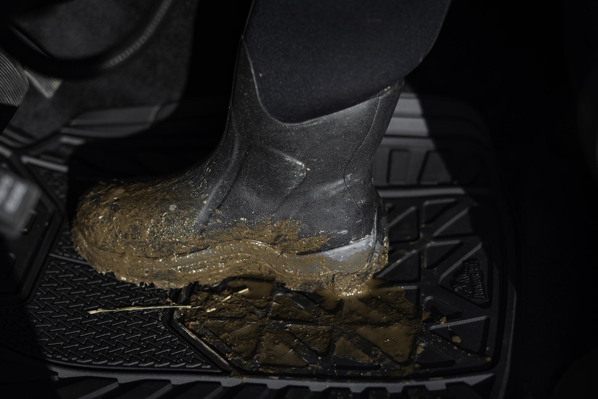 Armor All Floor Mats - Black Boots.jpg
