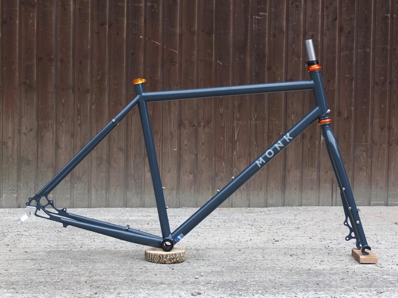 Size L frameset with the bikepacking fork