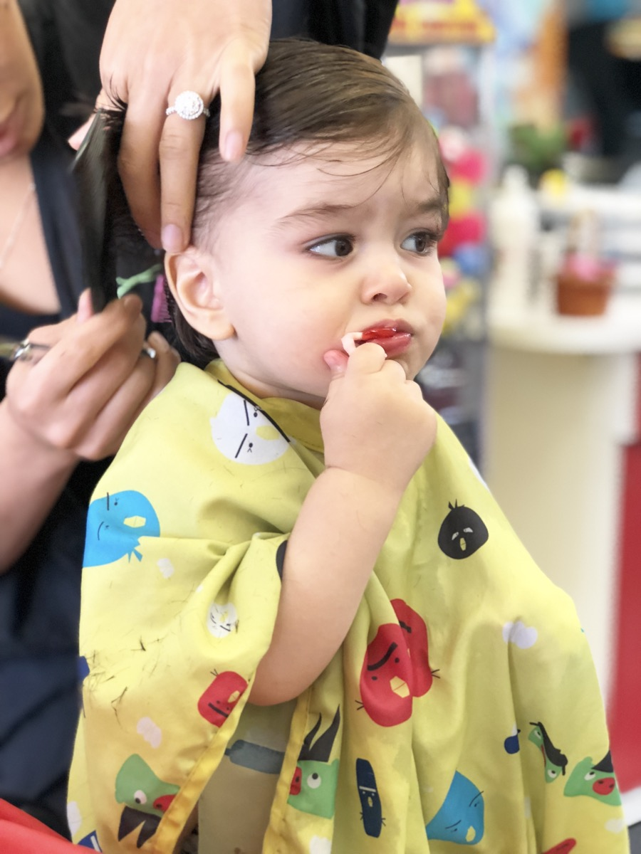 yellow-balloon-baby-haircut04.jpg