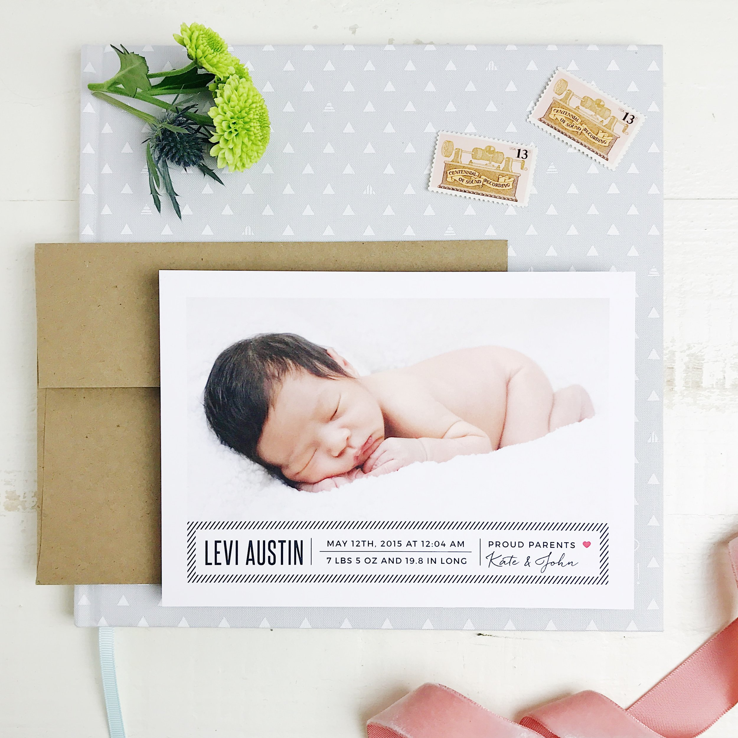 How perfectly sweet is this baby announcement?!