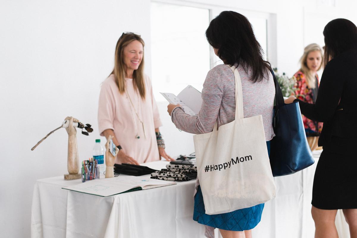 el-abad-land-of-mom-happy-mom-conference-marketplace-jan-mccarthy.jpg