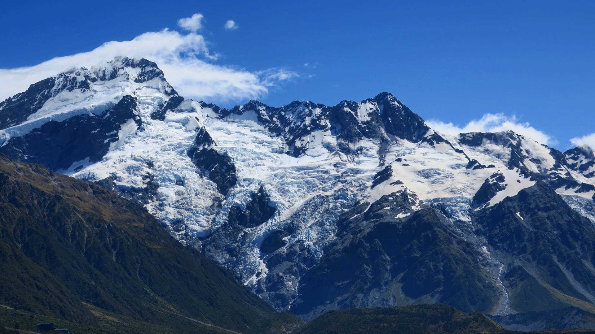 A lot of ice around mount cook