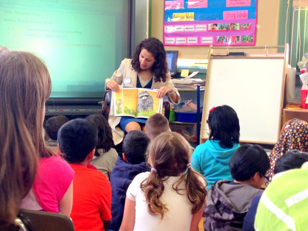Simotas_Reads_to_Students_at_PS70.jpg