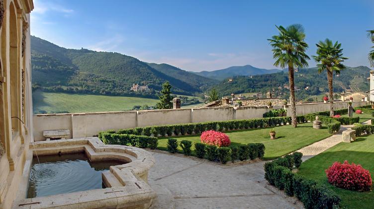 panoramica-giardini-palazzo-leti.jpg