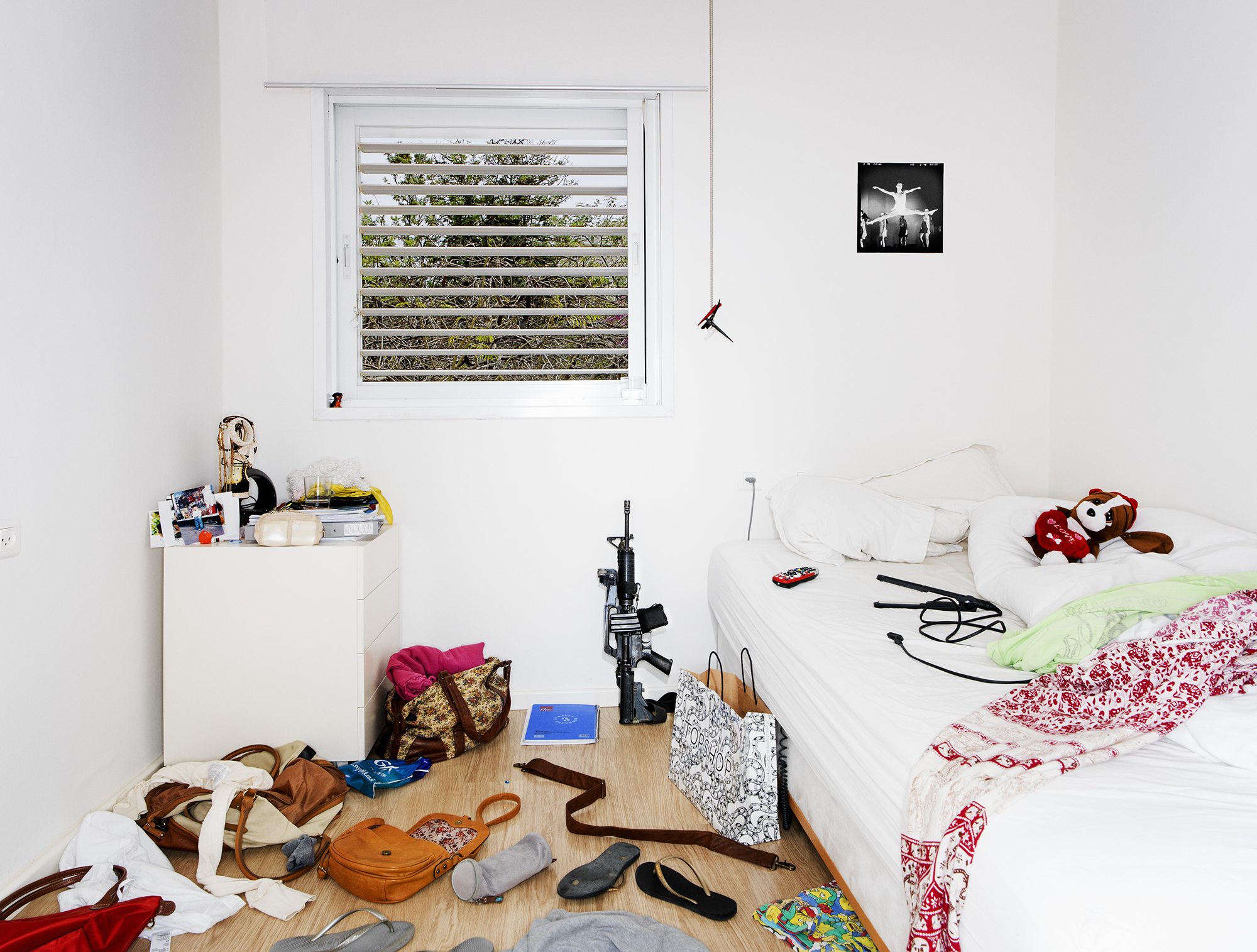 - Young Guns 8 -  Medium: Lambda print  Edition: 1/6  plus 2 artist's   D: 108 x 141 cm / 42.25 x 55.5 in (framed)