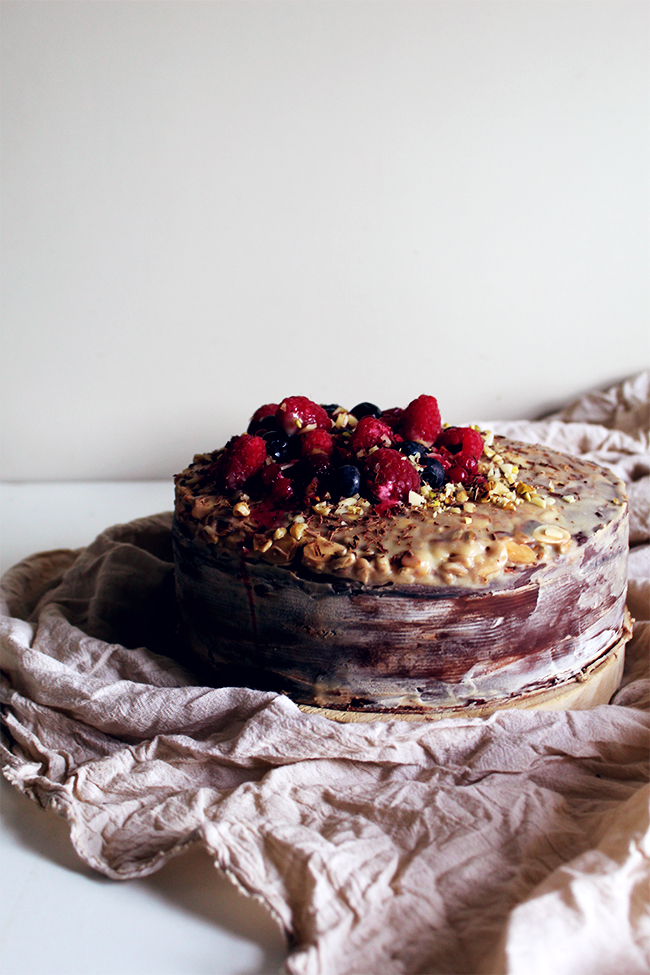 Cocoa, berries sugar-free cake