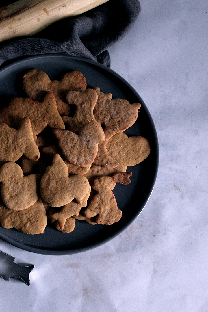 Almond and coconut sugar cookies
