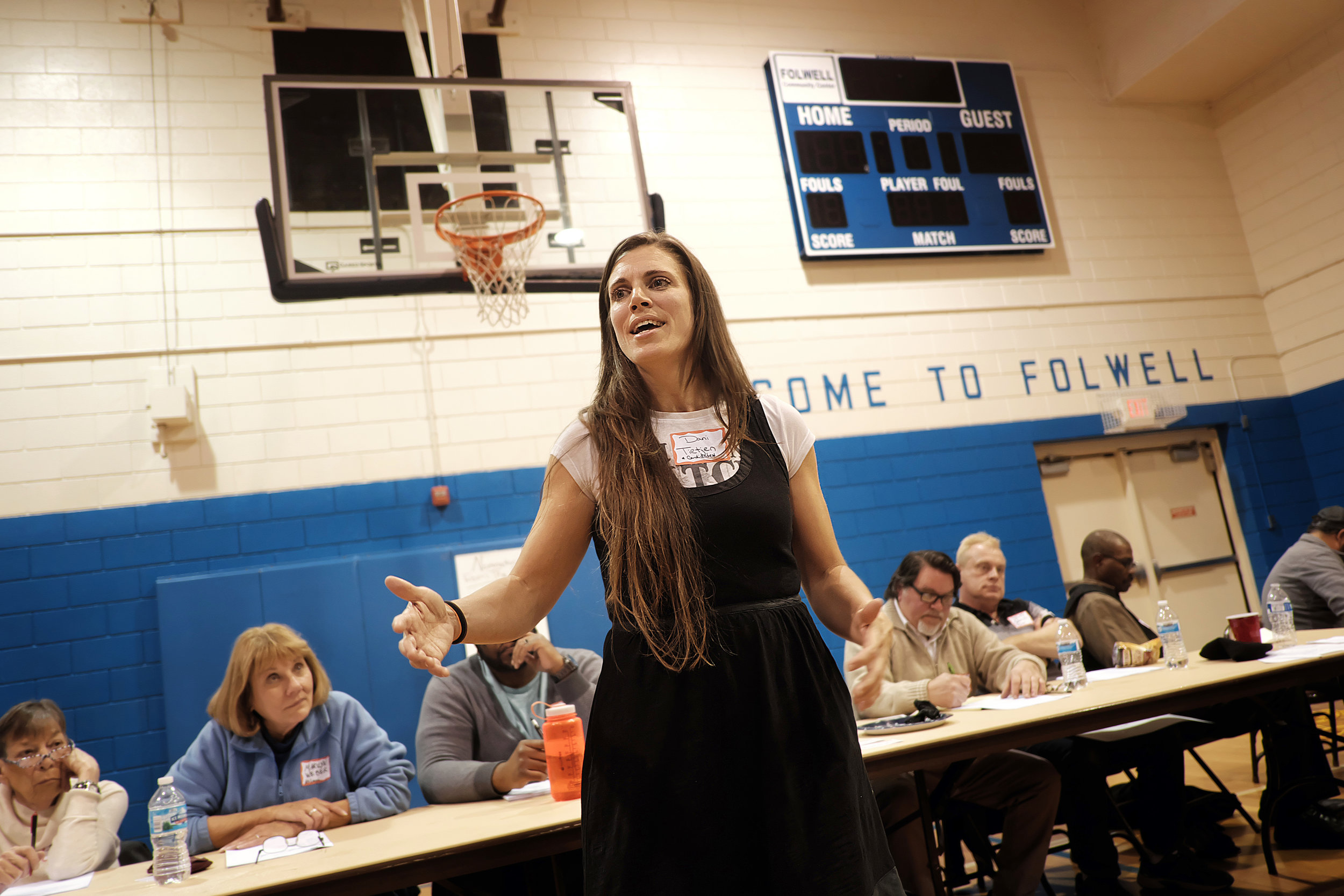 Tietjen, a Folwell Neighborhood Association board member, speaks to the crowd of over 100 people who attended the association's annual meeting on Nov.13. Photo by David Pierini.