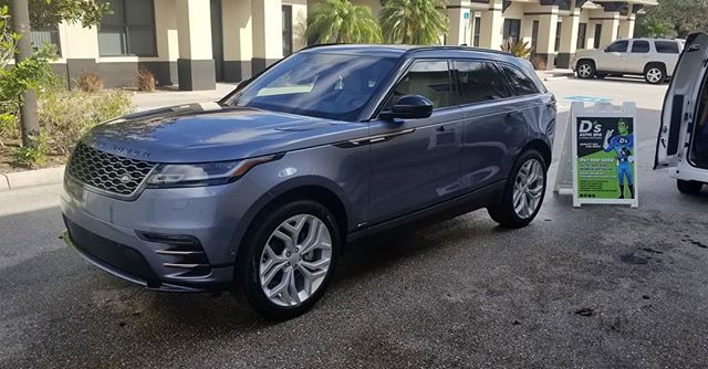 Happy Friday! After receiving a full exterior detail with an upgrade to our 8-12 month ceramic sealant, this beautiful brand new #rangerover is definitely ready for the weekend! Contact us today for your free consultation, or schedule your appointment online!  941-900-5890 www.dsmobiledetailing.com
