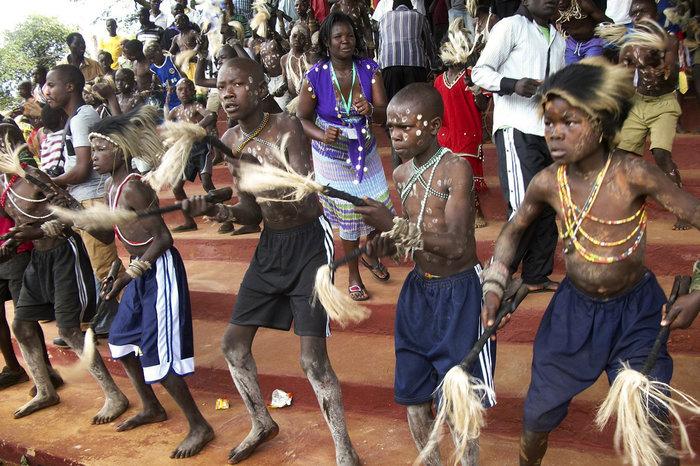 tribal-dance_slide-5fba1b7ff96263e236af0887c609af44a8b9d7c1-s700-c85.jpg