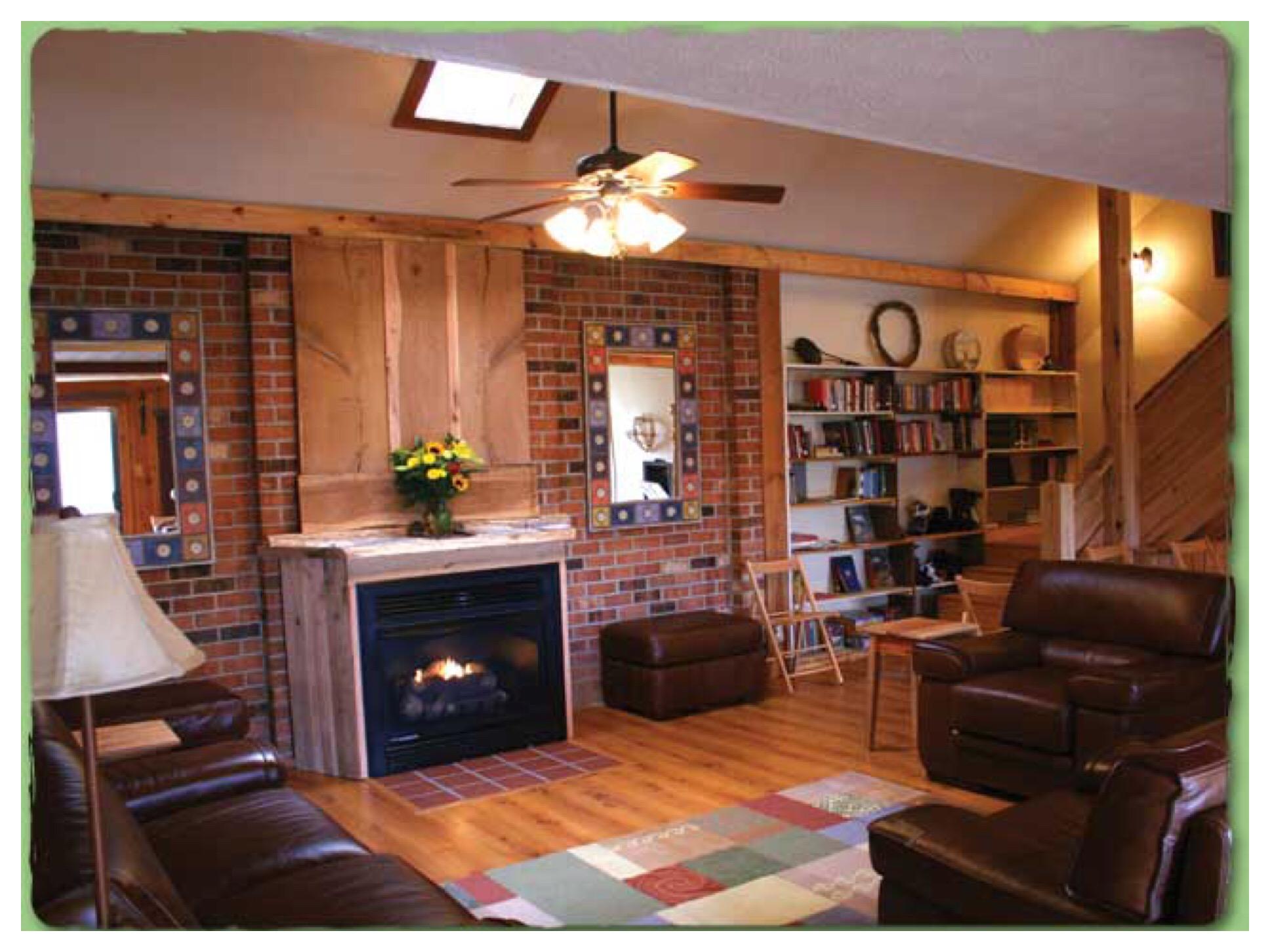 Rockcliffe Farm Retreat & Lodge - Lodge Living