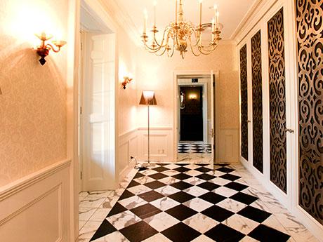 s.hallway.jpg