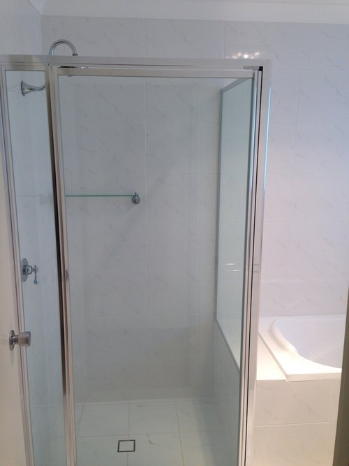 Main+Bathroom+Shower.jpg